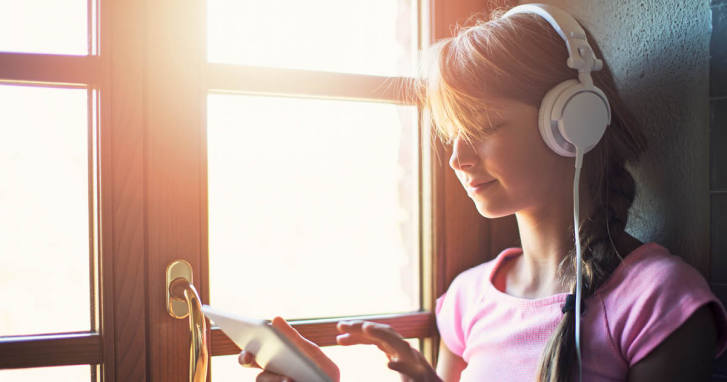 Att läslyssna utvecklar språket och ordförrådet